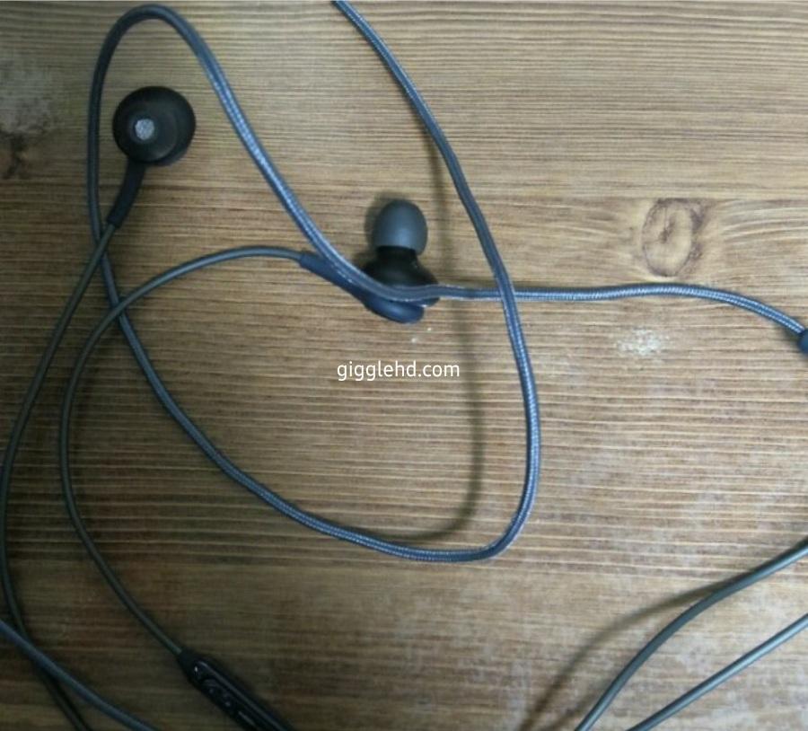 écouteurs AKG